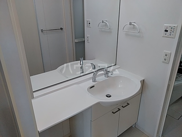 MYNコーポ 103号室の洗面所