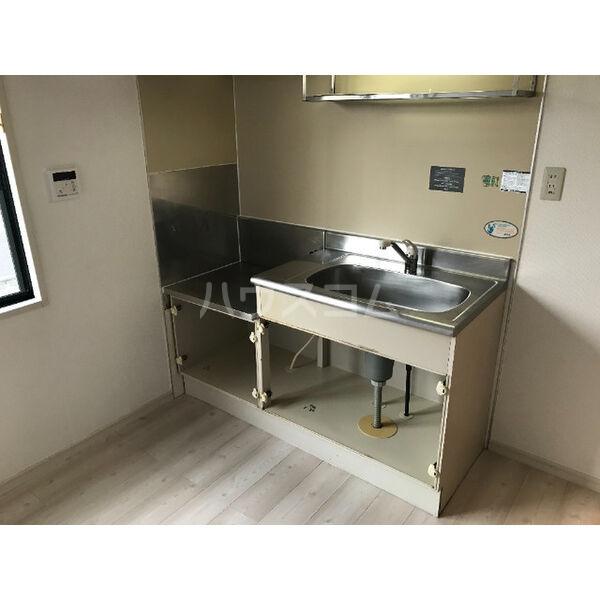 ディアス晴丘 A102号室のキッチン