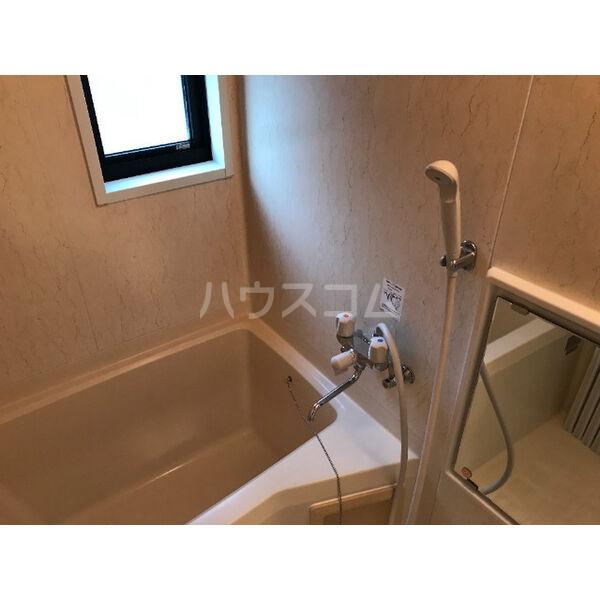 ディアス晴丘 A102号室の風呂