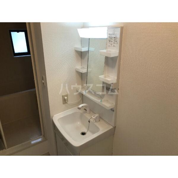 ディアス晴丘 A102号室の洗面所