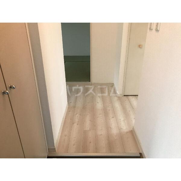 ディアス晴丘 A102号室の玄関