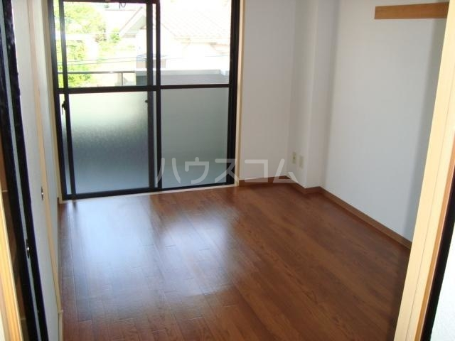 エクレール 305号室の居室