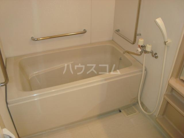 エクレール 305号室の風呂