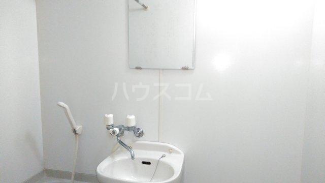 アンプルールフェールひまわり 101号室の洗面所