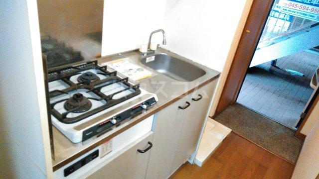 アンプルールフェールひまわり 101号室のキッチン