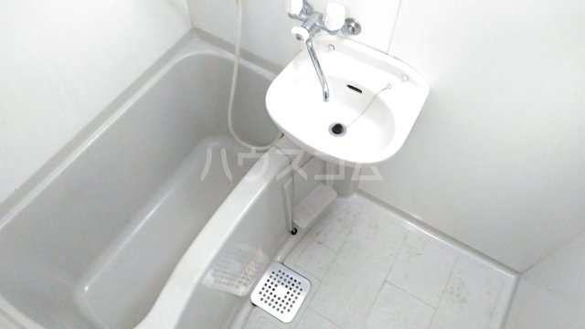 アンプルールフェールひまわり 101号室のトイレ