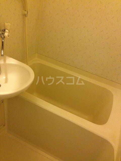 ガーデニアB棟 101号室の風呂
