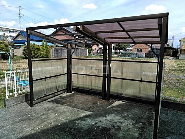 ベル牛久保 101号室の駐車場