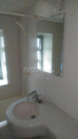 アスミィ本通 302号室の洗面所