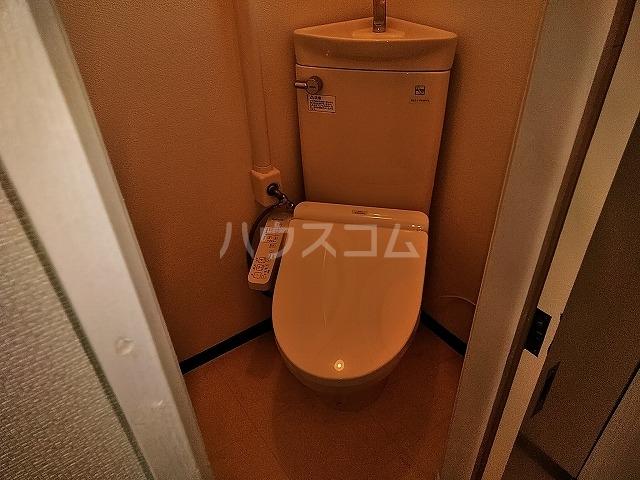 湯島明成ビル 4F号室のトイレ