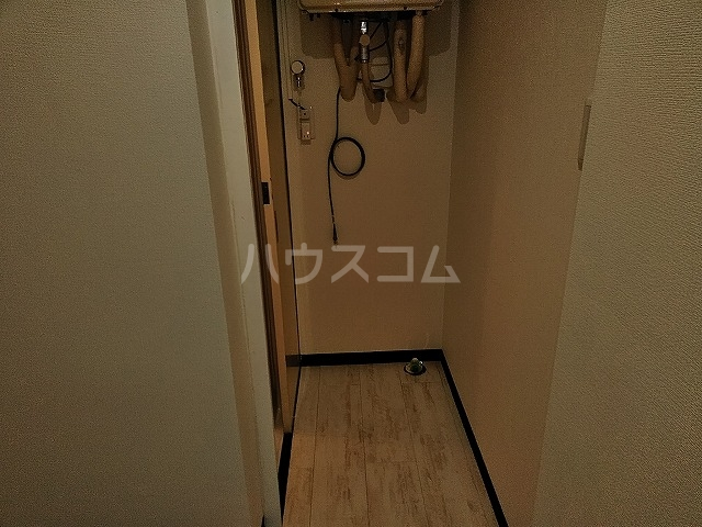 湯島明成ビル 4F号室の玄関