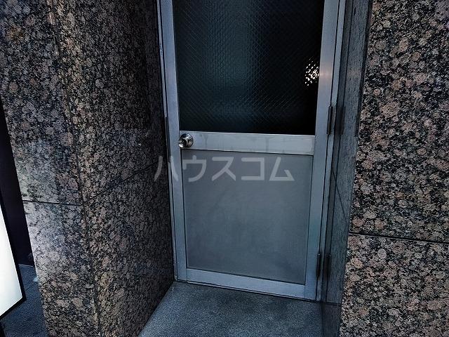 湯島明成ビル 4F号室のエントランス