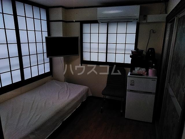 湯島明成ビル 5F号室のリビング