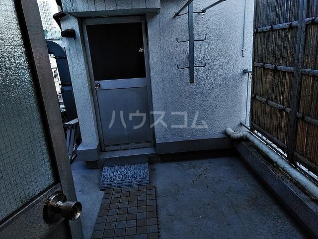 湯島明成ビル 5F号室の玄関