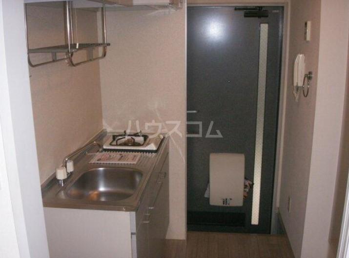 メゾンフルール 201号室のキッチン