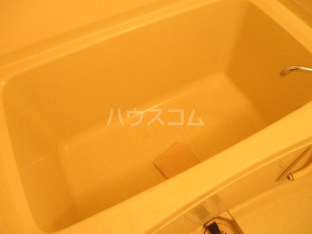 ハイツ中根 206号室の風呂