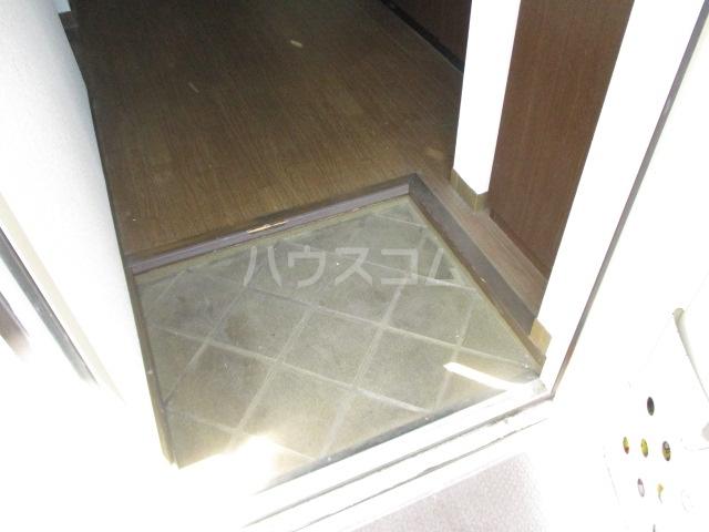 ベルエポック 202号室の玄関