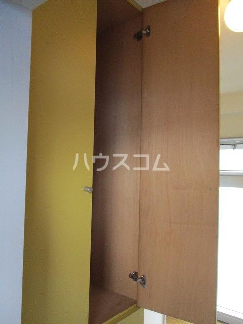 ジョウビアルビル 201号室の収納
