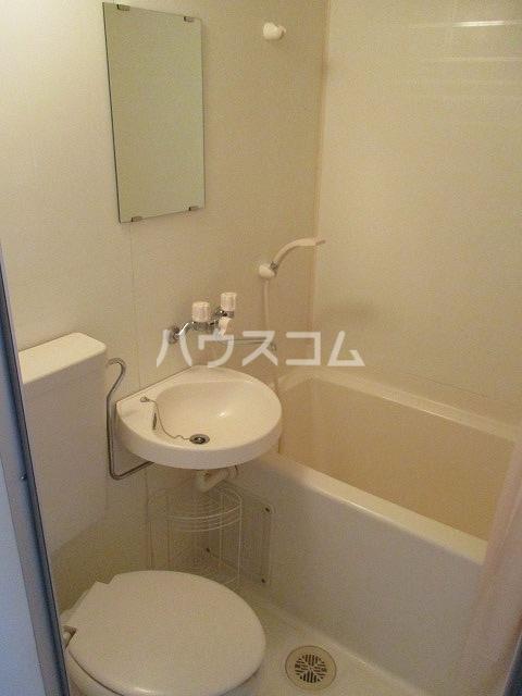 ジョウビアルビル 201号室の風呂