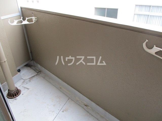 ジョウビアルビル 201号室のバルコニー