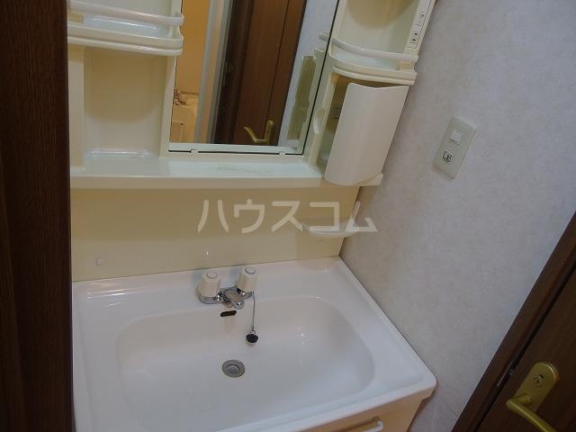 ビューロイヤル 203号室のトイレ