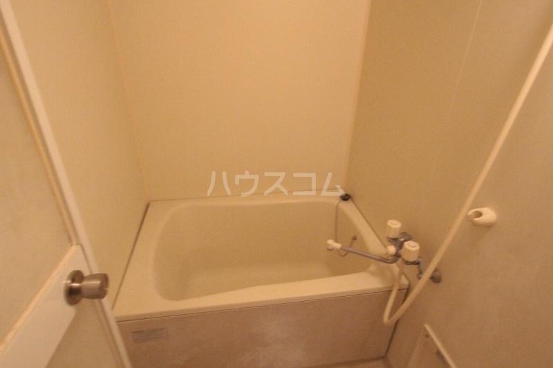 アズビオス元城 904号室の風呂