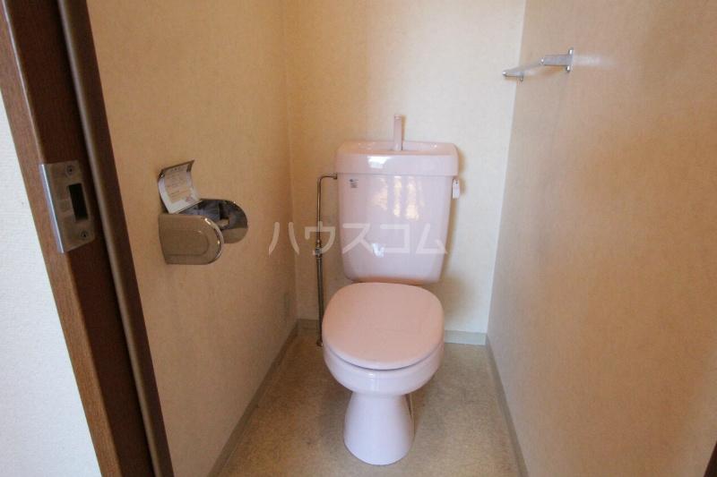 アズビオス元城 904号室のトイレ