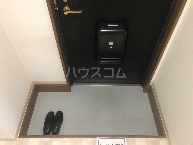 シティハイツ壱番館 102号室の玄関