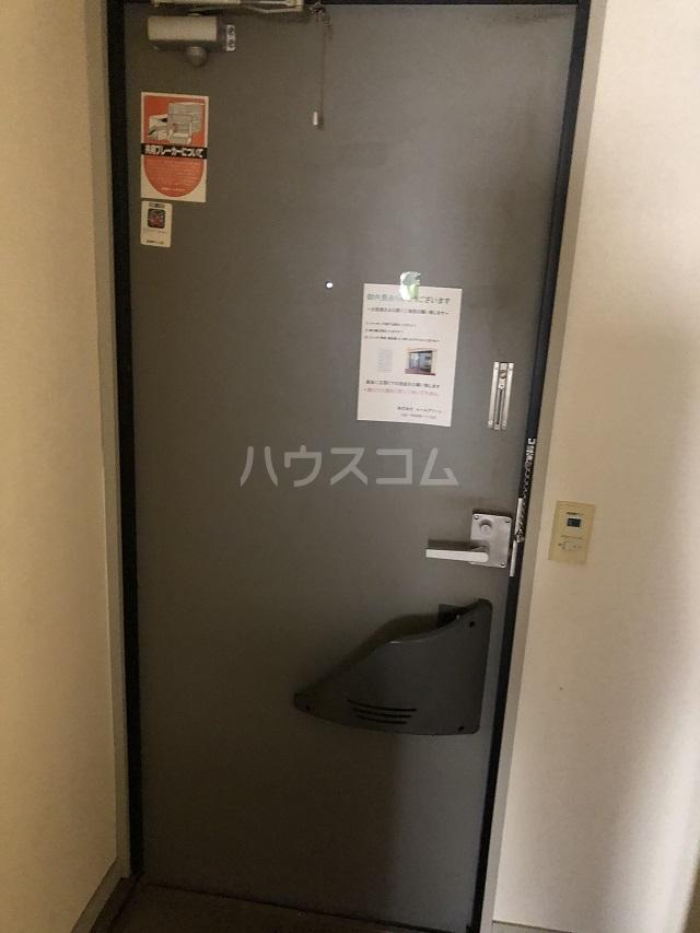 ウィステリアⅡの玄関