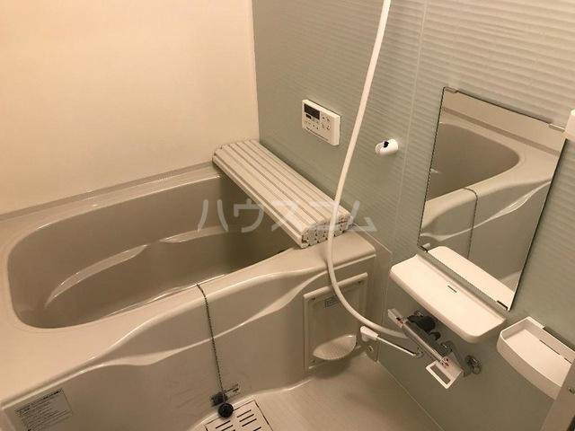 ルミナス スカイ 201号室の風呂
