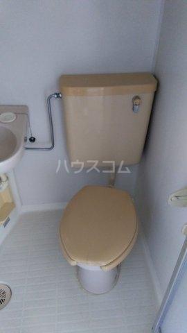 エンゼル東川口 205号室のトイレ