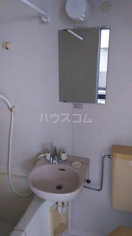 エンゼル東川口 205号室の洗面所