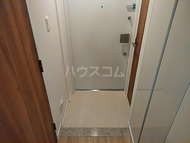 パークアクシス赤塚 1006号室の玄関
