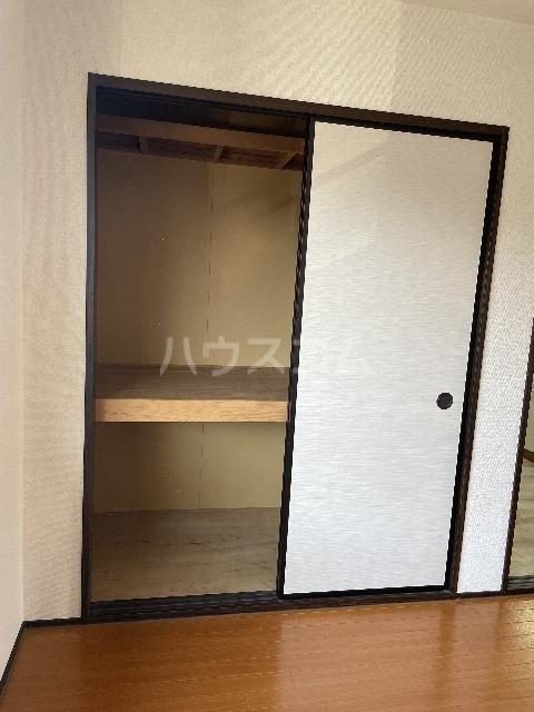 シャンボール今伊勢A 205号室の収納