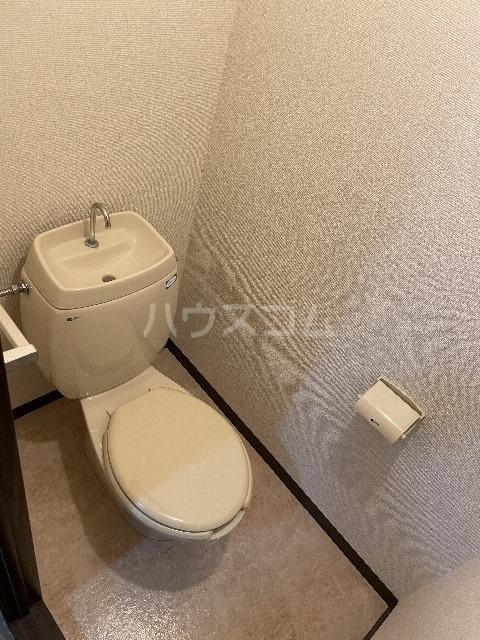 シャンボール今伊勢A 205号室のトイレ