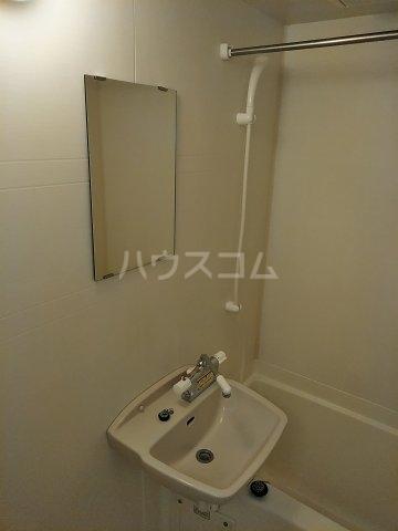 レオパレスコンフォートウッズⅡ 202号室の洗面所