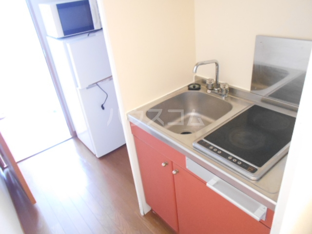 レオパレスアムール 102号室のキッチン