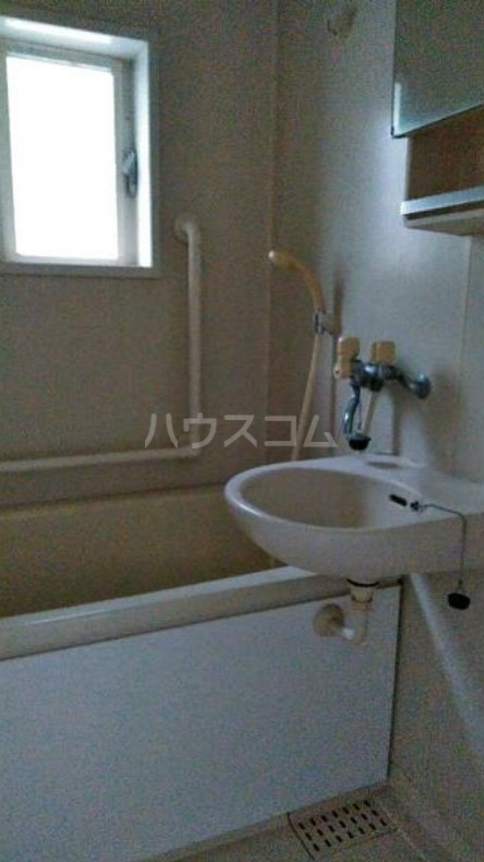 緑ヶ丘アパート 101号室の風呂