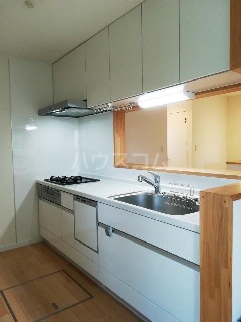富岡東戸建のキッチン
