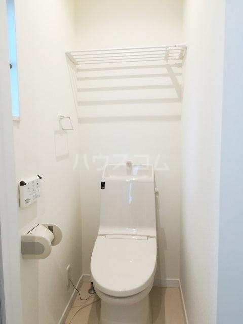 富岡東戸建のトイレ