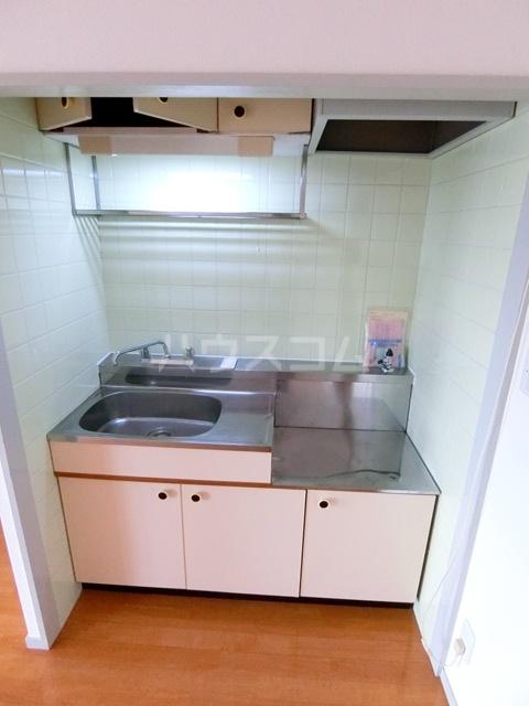 レジデンス松香 301号室のキッチン