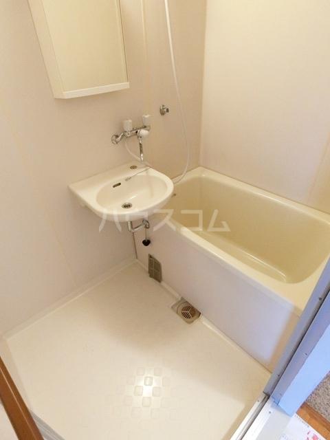 レジデンス松香 301号室の風呂