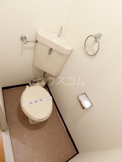 レジデンス松香 301号室のトイレ