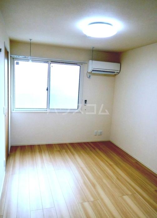 ガーネット 101号室のベッドルーム