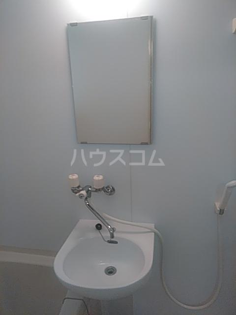 レクス入船 102号室の洗面所