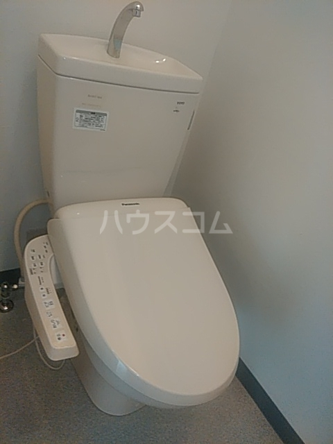 レクス入船 102号室のトイレ