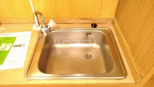 ポンデロッサ鶴見Ⅱ 103号室のキッチン