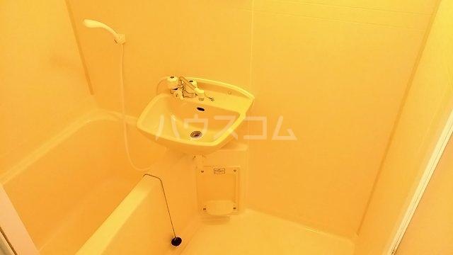 ポンデロッサ鶴見Ⅱ 108号室の風呂