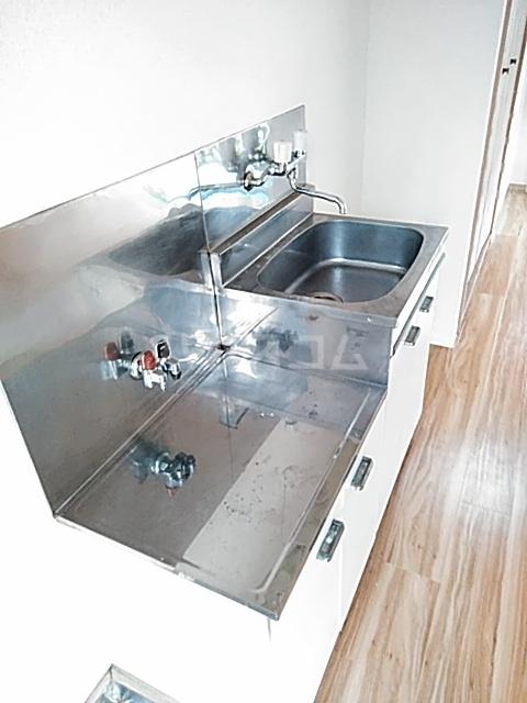 SEVENFLATS 205号室のキッチン
