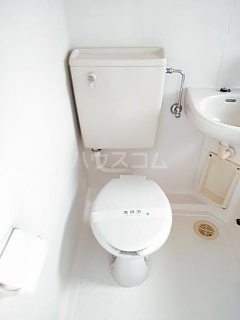 SEVENFLATS 205号室のトイレ